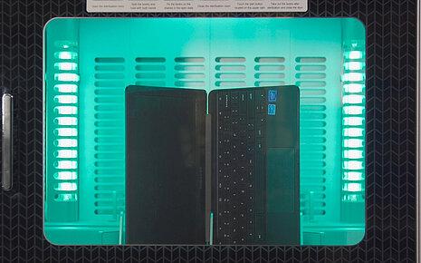 Desinfektion eines Notebooks - Walter Nagel