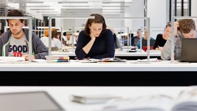 Lese- und Arbeitsplätze